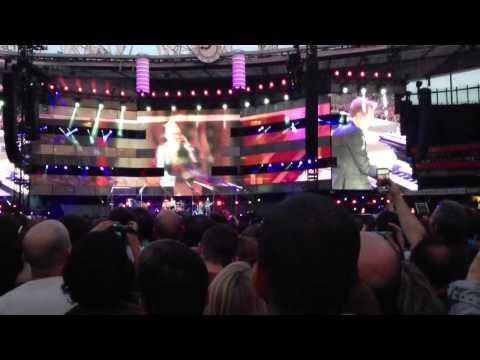 Muse- Feeling Good Emirates Stadium (25th of may)