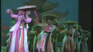 vietnamese traditional dance (folk dance)