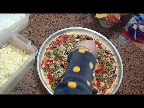 صورة  طريقة عمل البيتزا أسهل طريقة لعمل البيتزا 🍕فى البيت بعجينه قطنيه من الالف للياء//اتحداكى مش هتشترى بيتزا من بره تانى طريقة عمل البيتزا من يوتيوب