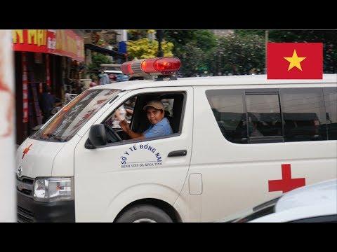 Ho Chi Minh City (Vietnam) [Dong Nai Province Ambulance] Responding With Lights & Siren