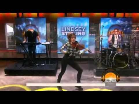 Lindsey Stirling Performs Roundtable Rival at the Today Show