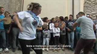 EVVIVA CU BALLA! E CU NON BALLA PURU! Il rito della tarantella a Polsi-2012