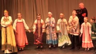 Фолк. ансамбль Бирюльки, Рижская 54-ая ср.школа - 00078-79