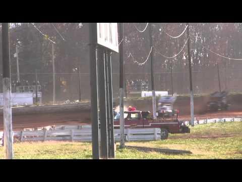 Susquehanna Speedway Park 410 and 358 Sprint Car Highlights 11-13-10
