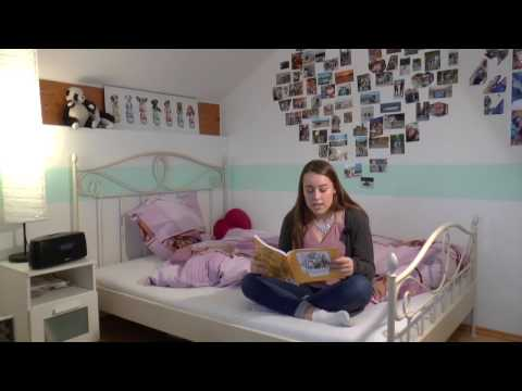 Kayla is reading for you: Alice