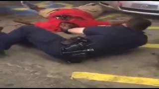 New close up video of Alton Sterling killing. Warning: Extremely graphic violence.  #AltonSterling(, 2016-07-07T00:27:07.000Z)