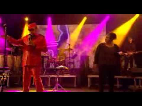 Bobby Womack and Alltrinna Grayson Harry Hippie  Live At Glastonbury Festival 2013