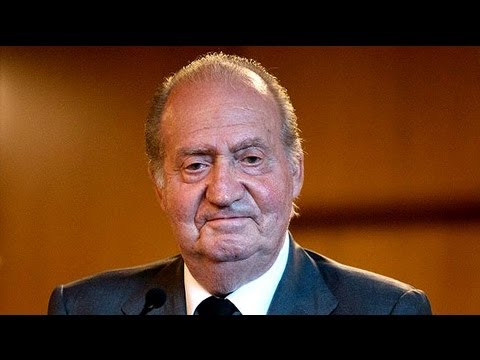 Spanish train crash: King Juan Carlos visits injured in hospital