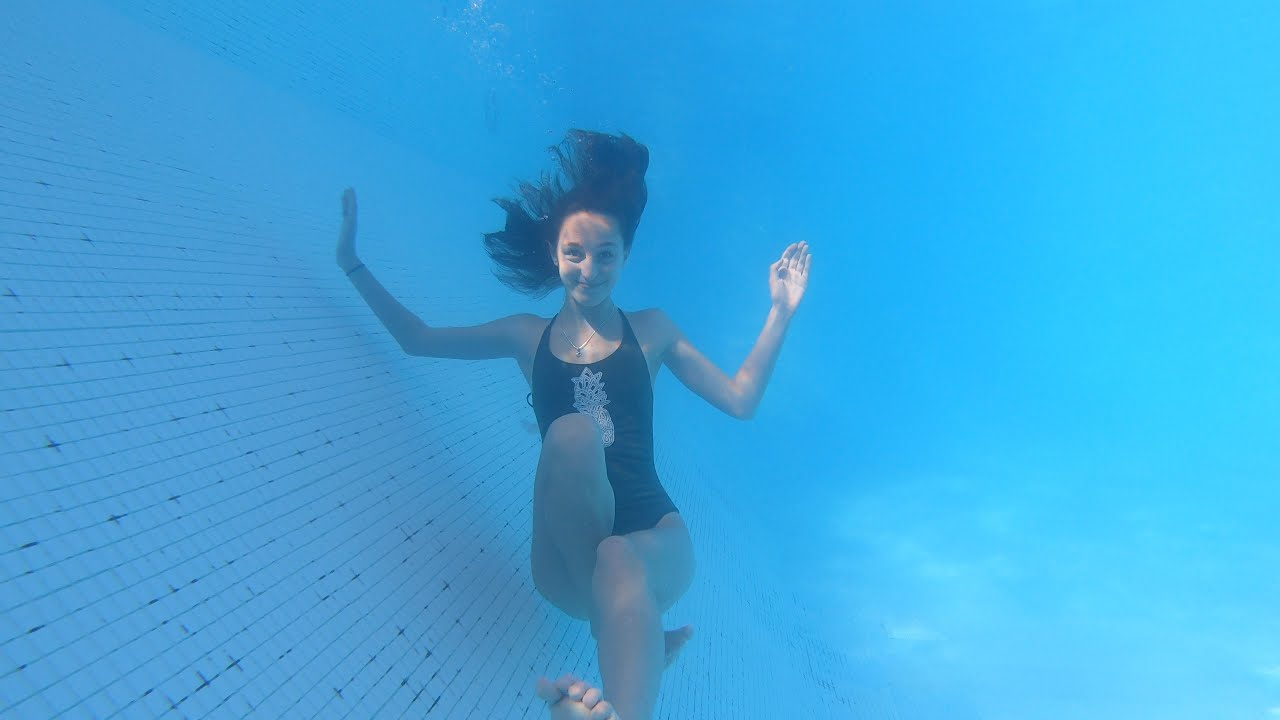 Carla Underwater swimming in Dominican Republica