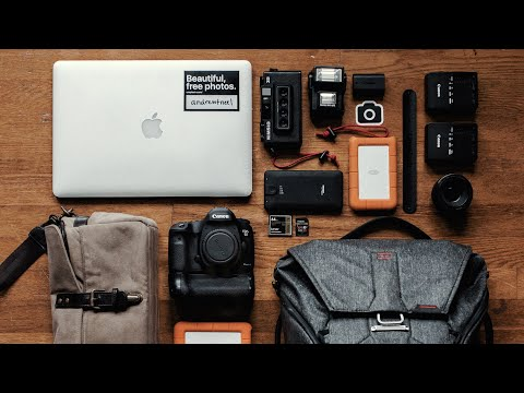 What's in my camera bag? (Travel Filmmaking Gear)