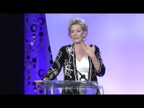 Actress, Jean Smart, Wins Philanthropic Advocate Award