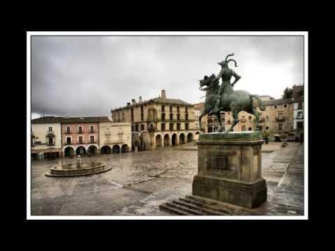 Best tourist attractions in Peru - Trujillo - Plaza de Armas de Trujillo