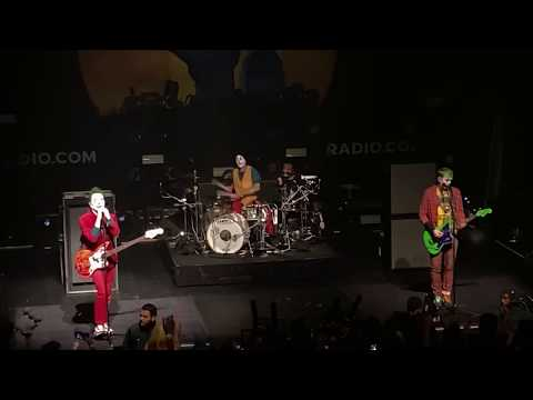 Blink - 182 - Blame It On My Youth : Live @ The Fonda Theatre