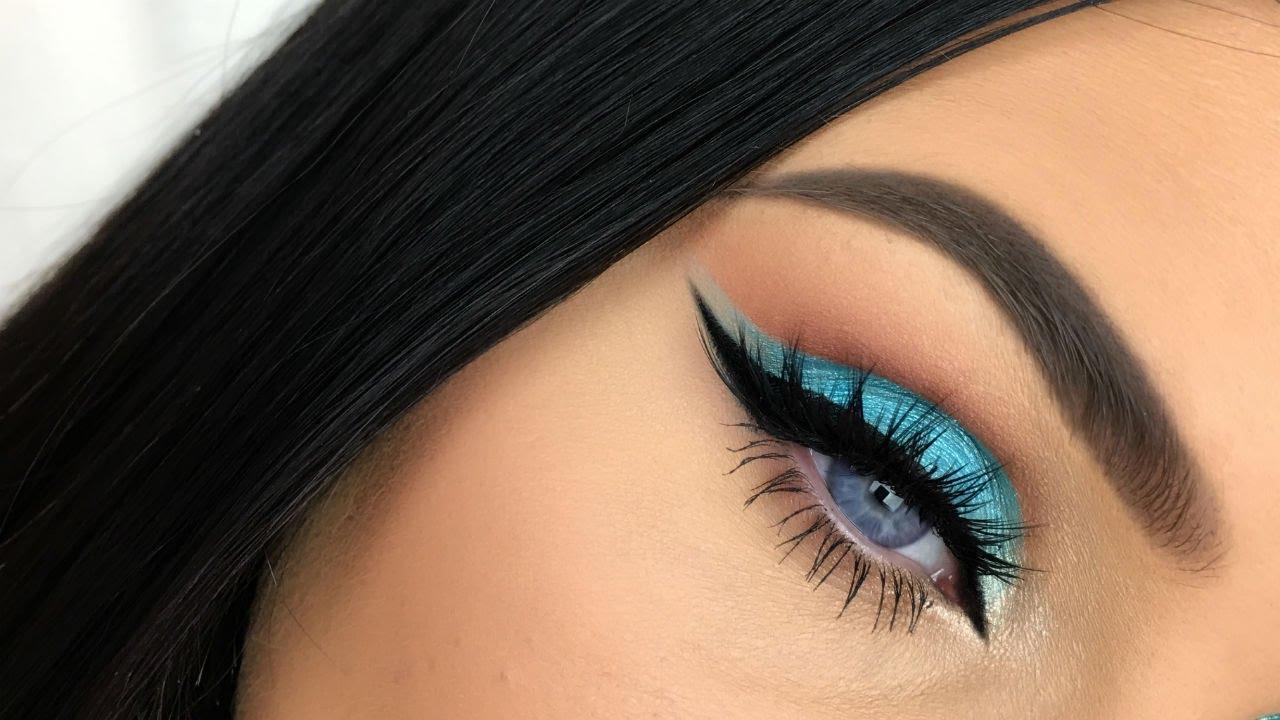 Blue Cut Crease Eye Makeup