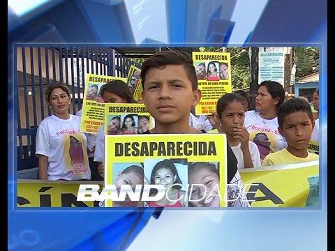 Manifestação pede buscas de menina desaparecida desde outubro