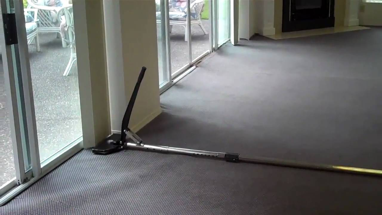 Carpet Re-stretch Demonstration - YouTube