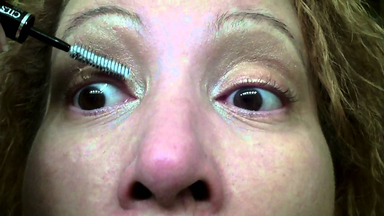 76ebfa3cb87 Lancome CILS BOOSTER XL Super-Enhancing Mascara Base - YouTube