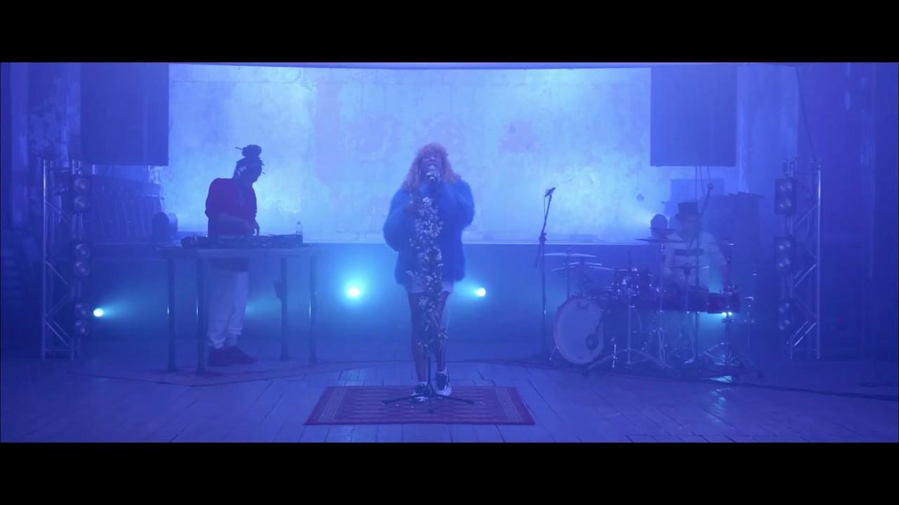 YASMYN - An Illusion (LIVE)