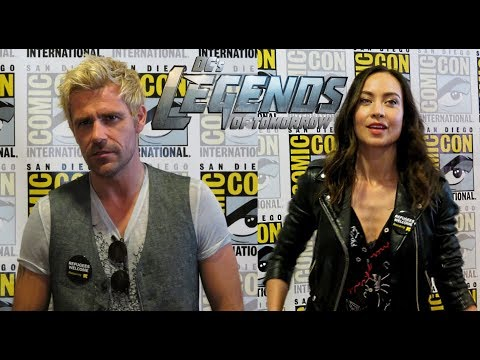 ComicCon 2018: 'Legends of Tomorrow' Stars Matt Ryan and Courtney Ford on Season 4