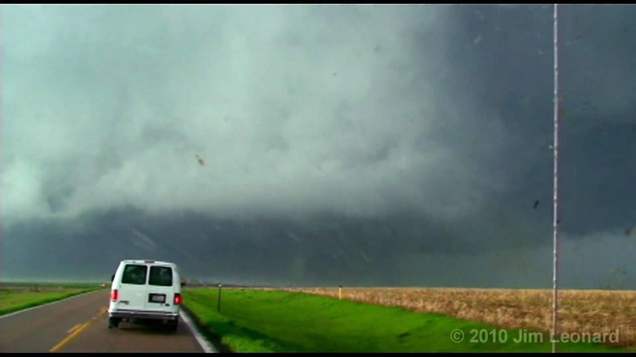 Tornado - Aberdeen, South Dakota - May 22, 2010
