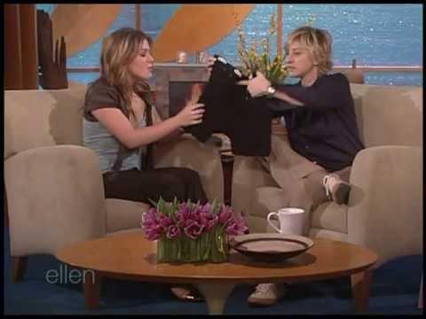 Kelly Clarkson - Ellen Interview - 08-12-05