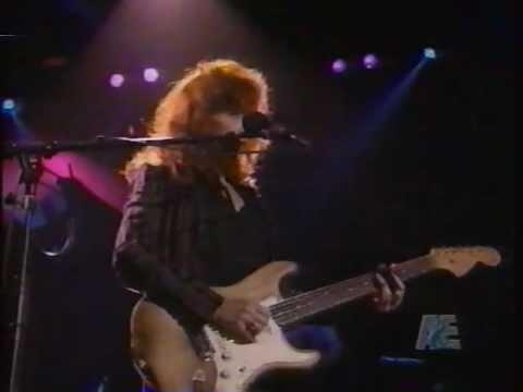 Bonnie Raitt 'Storm Warning' live concert performance