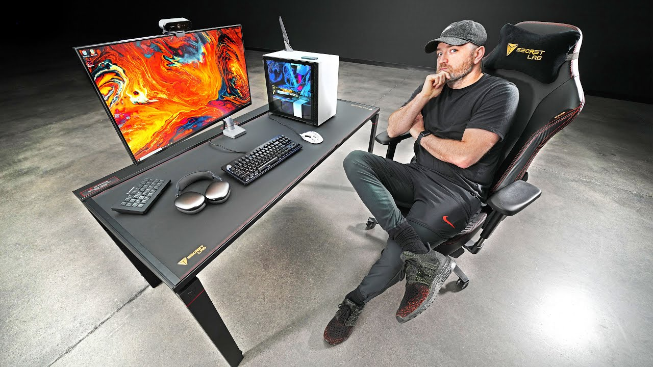 """This New """"Magnetic"""" Desk is More Than Meets the Eye..."""