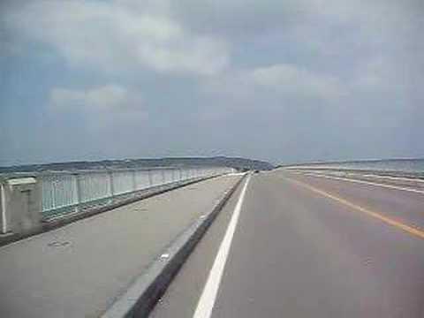 古宇利大橋をバイクで通過(To古宇利島)