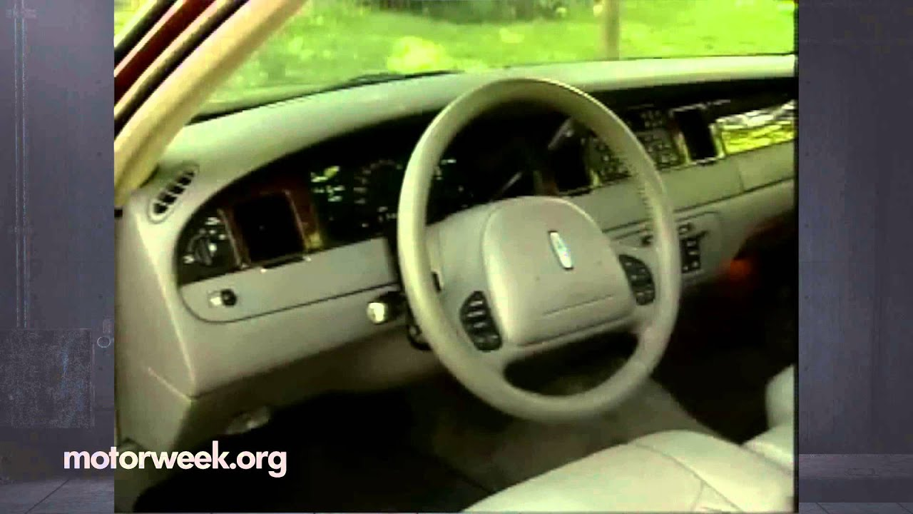 Motorweek Retro Review 1998 Lincoln Town Car Youtube