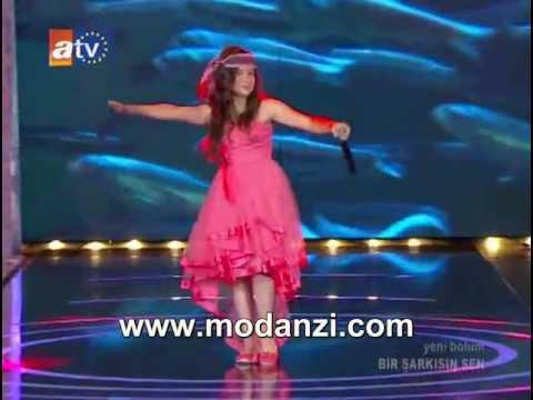 Bir Şarkısın Sen | Berna Karagözoğlu ( Fındık Kurdu Berna ) Hamsi Balığı | www.modanzi.com.tr
