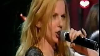 Geri Halliwell   Mi chico latino singing live