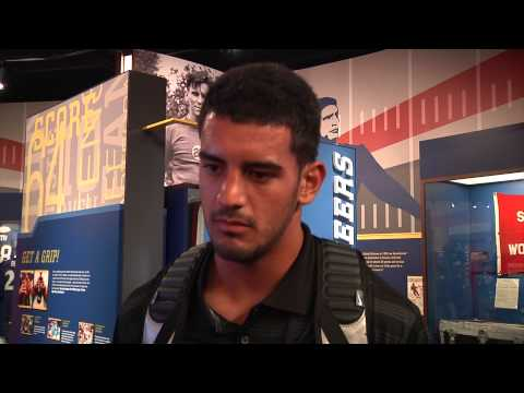Marcus Mariota at the Hall of Fame