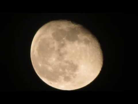 Máy ảnh Canon Zoom Tới Mặt Trăng | Những Chiếc Máy ảnh Siêu Zoom đáng Giá Nhất Hiện Nay