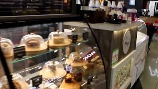 Торговый островок для продажи кофе с собой Gelatte Cafe в ТЦ Невский