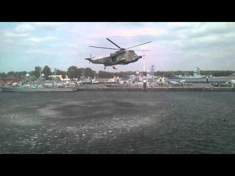 "Rettungsübung mit ""Sea King"" Hubschrauber (S-61)"