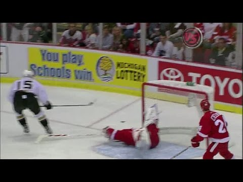 Best of Hasek: Cartwheel Save on Getzlaf