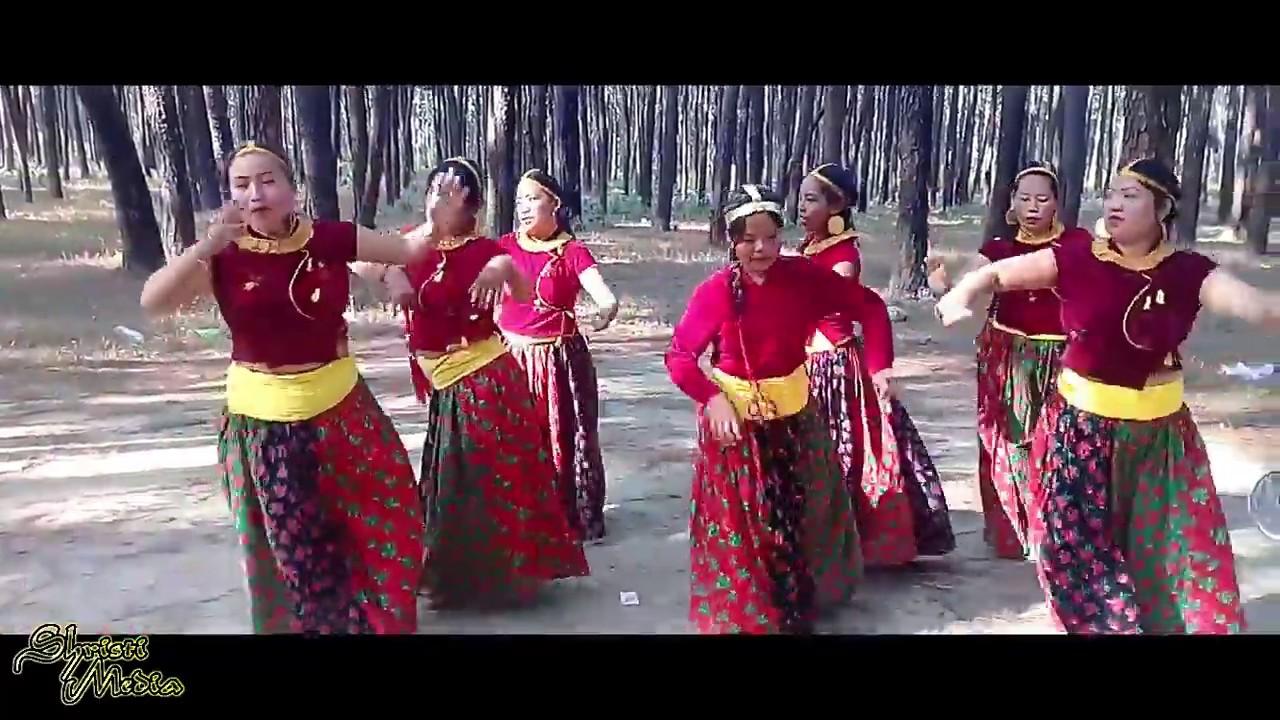 Aaja Ko Yo Khusi Ko Dina || New Nepali Christmas Song || Nepali Christmas Dance Song || Cover Video