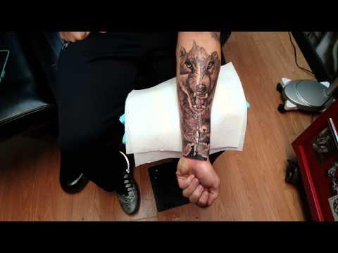 Guy Gets Huge Wildlife Wolf Tattoo Freehand