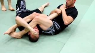 Download Video Comment faire une Clé de Bras [ MMA ] MP3 3GP MP4
