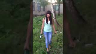 Как разбить бутылку об голову