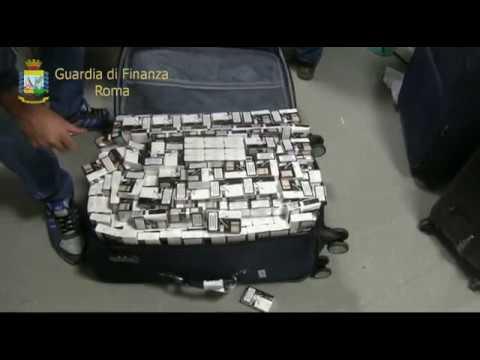 Roma, la Guardia di Finanza sequestra 5 quintali di sigarette all'aeroporto