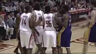 Kobe Bryant and Ron Artest scuffle [3.11.09] thumbnail