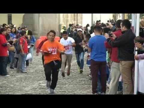 شاهد: سباق جري ولكن للنّدُل في أنتيغا غواتيمالا  - نشر قبل 39 دقيقة