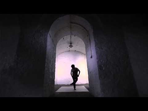 FC Kahuna - Hayling (Max Cooper Remix) - break dance