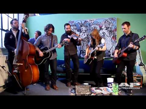 The Revival Tour AP Office performance: Chuck Ragan and Jenny Owen Youngs