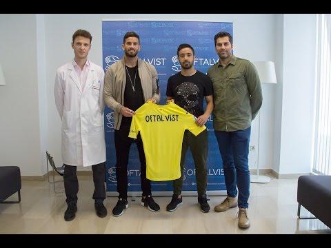 Imagen de Los jugadores del Villareal se revisan la vista en Oftalvist