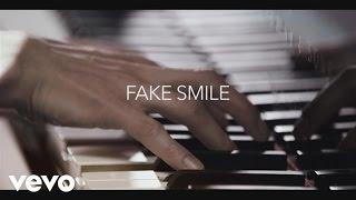 """Rebecca Ferguson - Rebecca Discusses """"Fake Smile"""""""