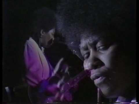 Joan Armatrading - Tall In The Saddle