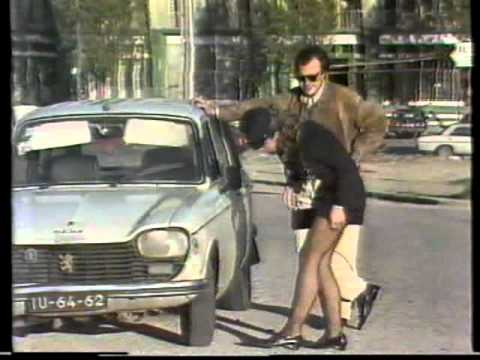 Apanhados Quot Pol 237 Cia De Mini Saia A Ver Pneus Do Carro