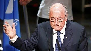 أوروبا تقاطع جوزيف بلاتير و تؤيد الأمير علي بن الحسين في انتخابات الفيفا   29-5-2015